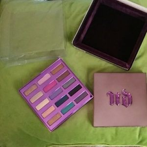 Urban Decay '15th Anniversary' Palette